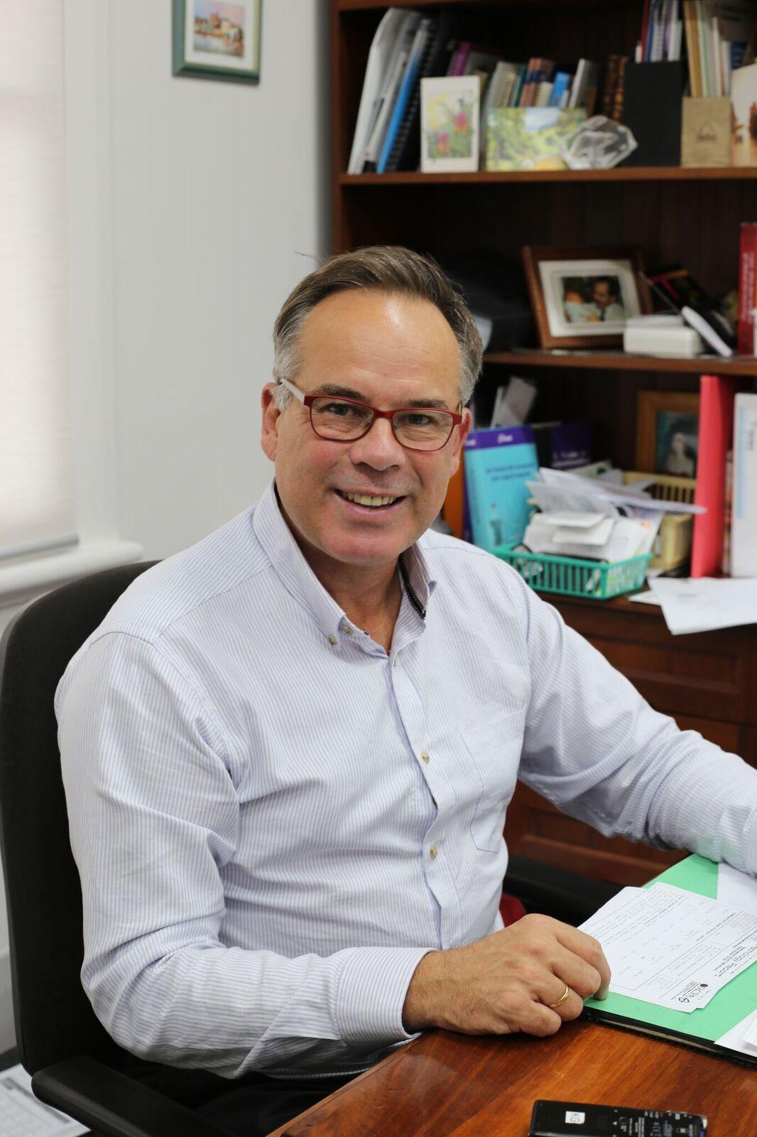 Clinical Associate Professor Kurt Gebauer